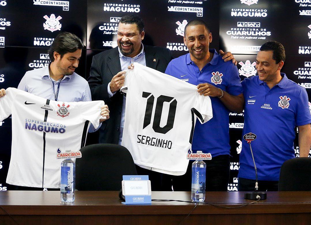 Serginho e Corinthians têm a ambição de fazer o clube grande também no  vôlei (Foto  Marco Galvão Fotoarena Estadão Conteúdo) 9bdfddd3951d0