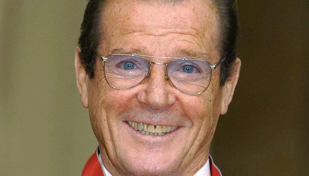 Célebre por atuar como 007, Roger Moore era embaixador da Unicef