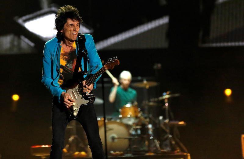 Ronnie Wood, do Rolling Stones, passa por cirurgia no pulmão