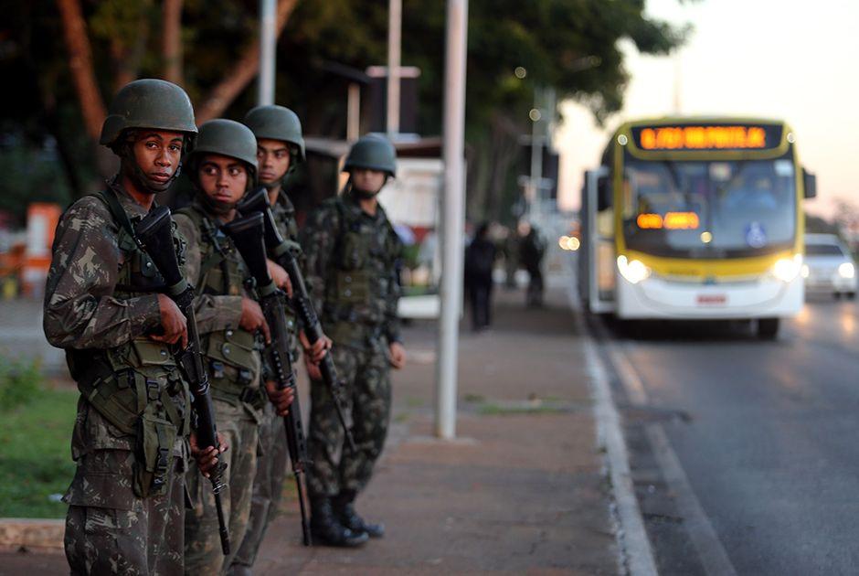 Temer revoga decreto autorizando uso das Forças Armadas