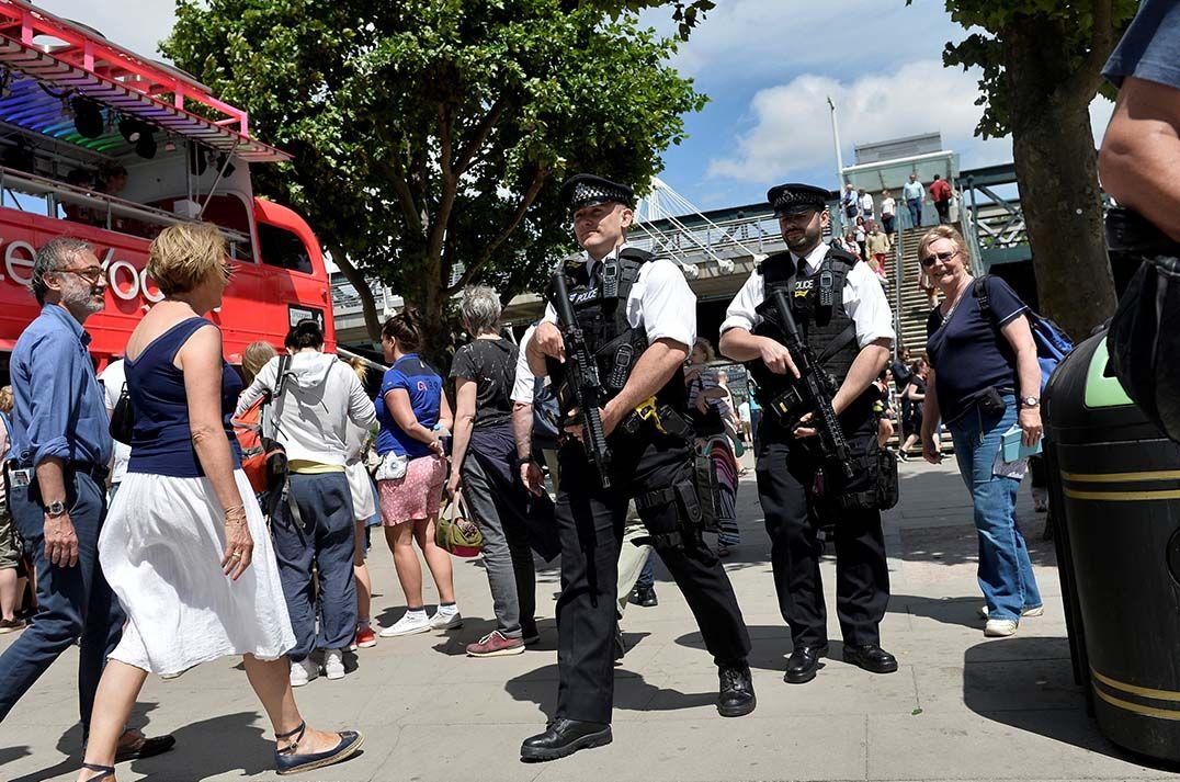 Reino Unido reduz nível de alerta para ataque terrorista