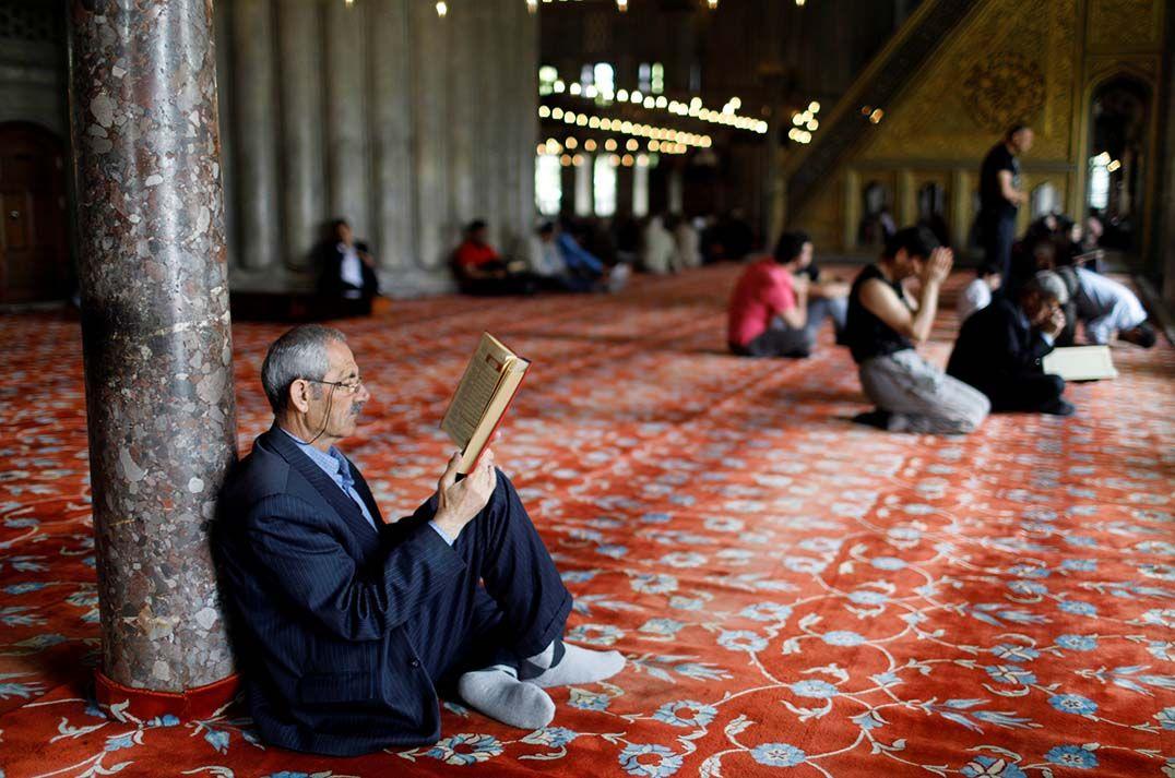 Ramadã começa sob tensões de terroristas