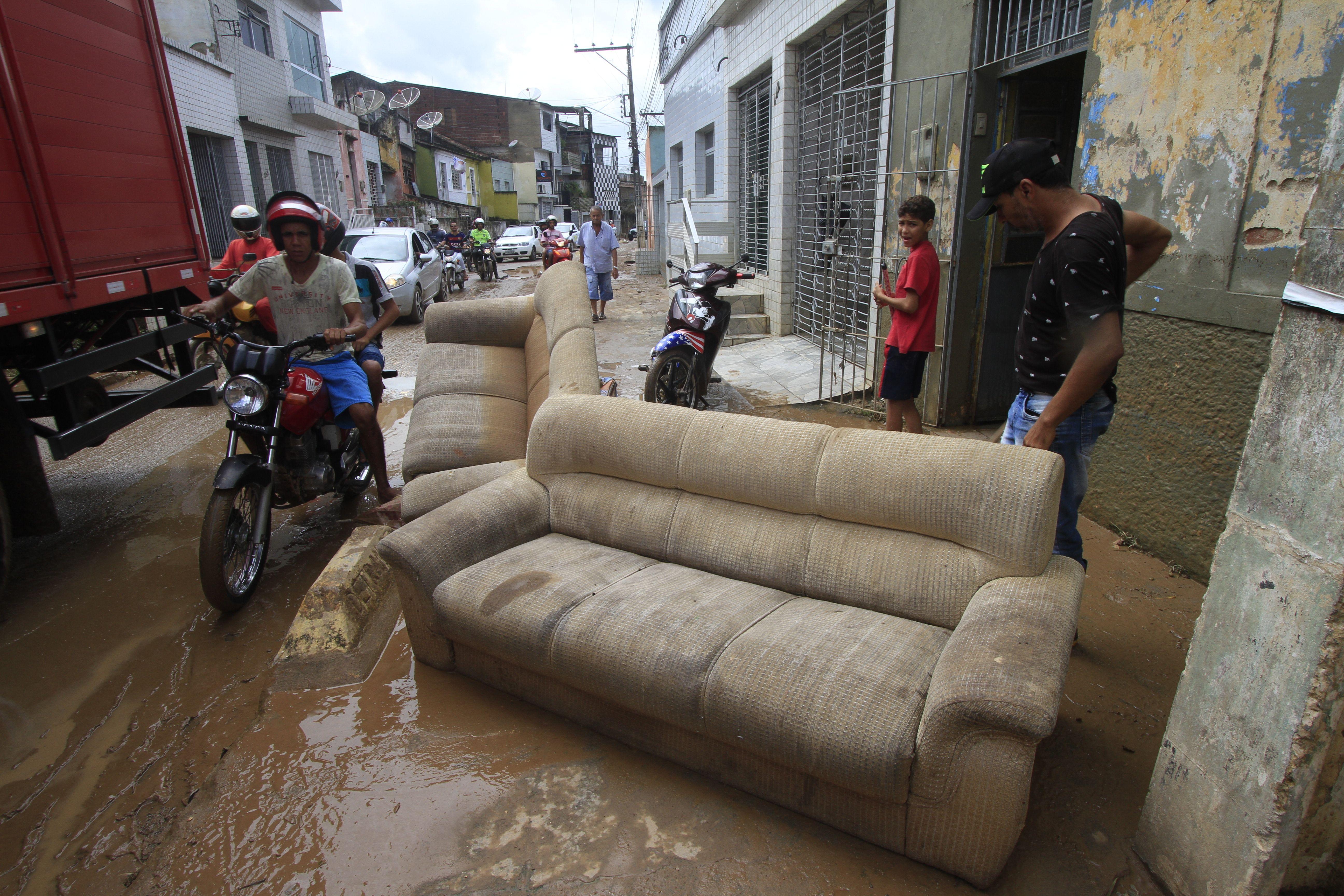 Sobe para três o número de mortos em Pernambuco