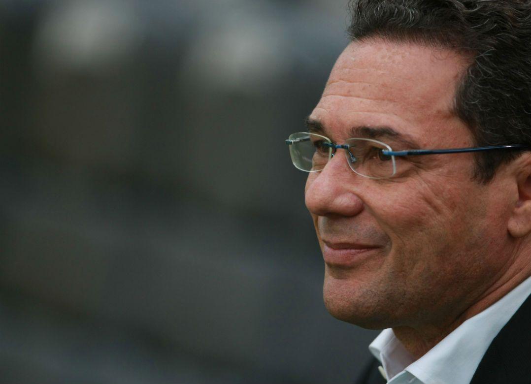 Luxemburgo assume comando técnico do Sport