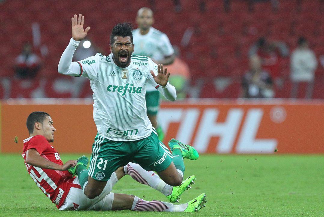 Thiago Santos marcou o gol que classificou o Palmeiras (Foto  Pedro H.  Tesch Estadão Conteúdo) 8a88bf42ef587