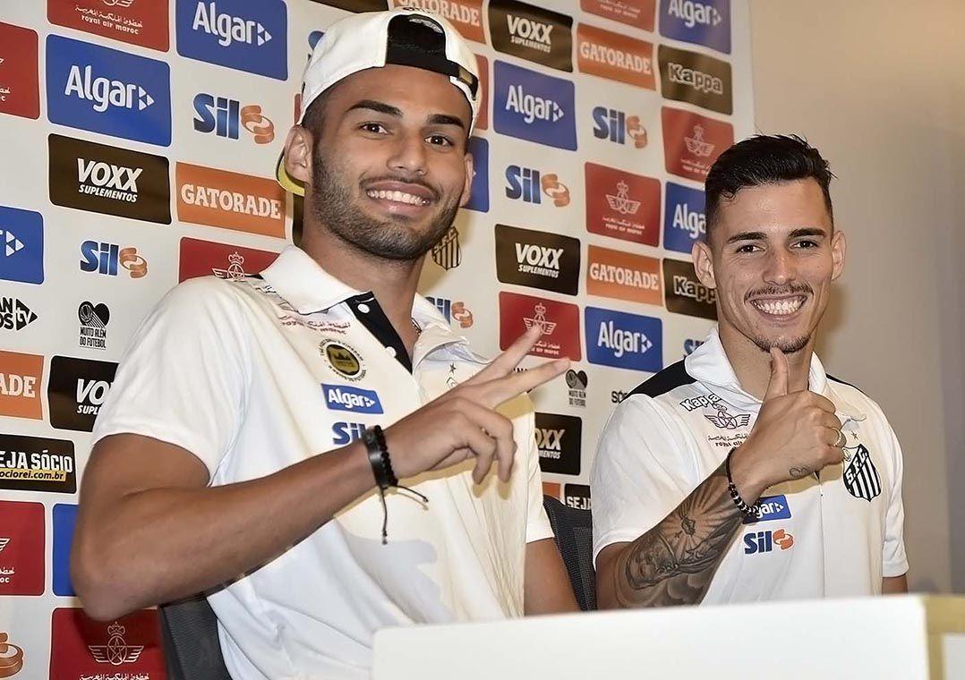 e Zeca  um dos dois deve deixar o Peixe (Foto  Ivan Storti Santos FC) cf2c0b6dbc4af