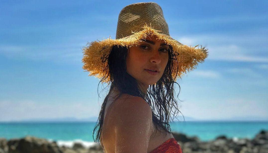 Thaila Ayala exibe suas curvas na Tailândia; veja