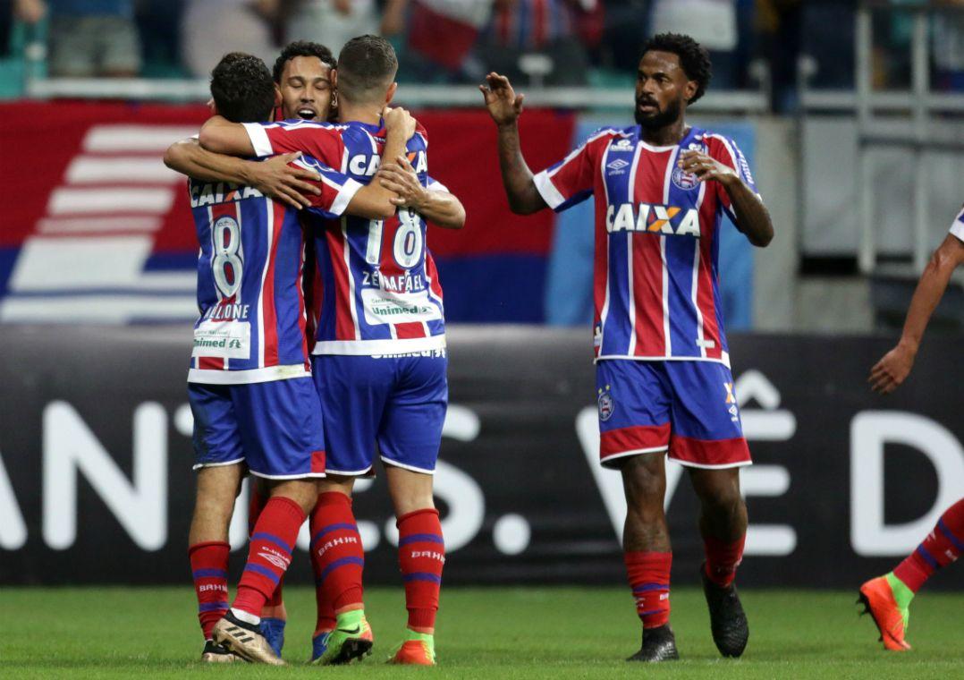 Edigar Junio comemora o gol anotado (Foto  Raul Spinassé Agência A  Tarde Estadão Conteúdo) 7fcca193f9a28