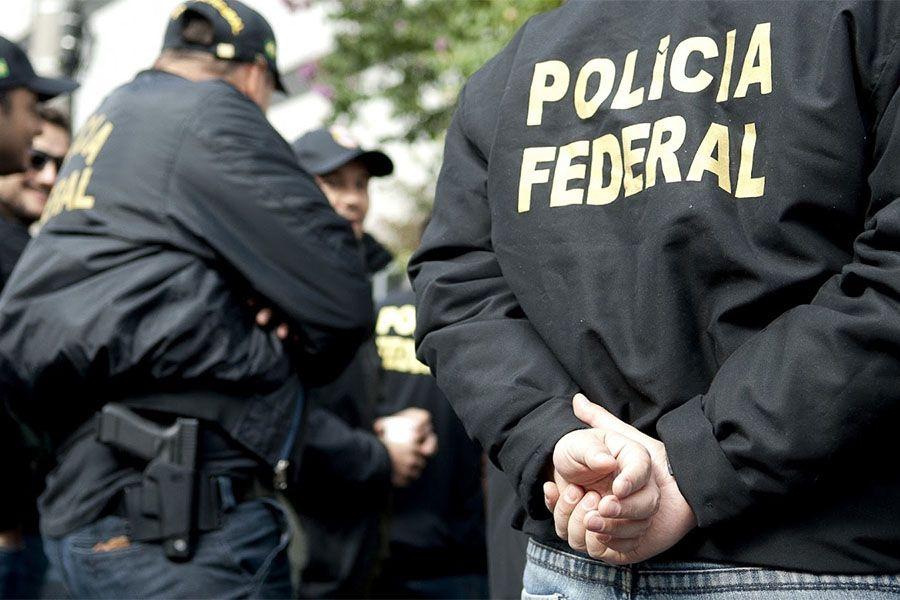 PF investiga ex-governador de Madri por compra superfaturada