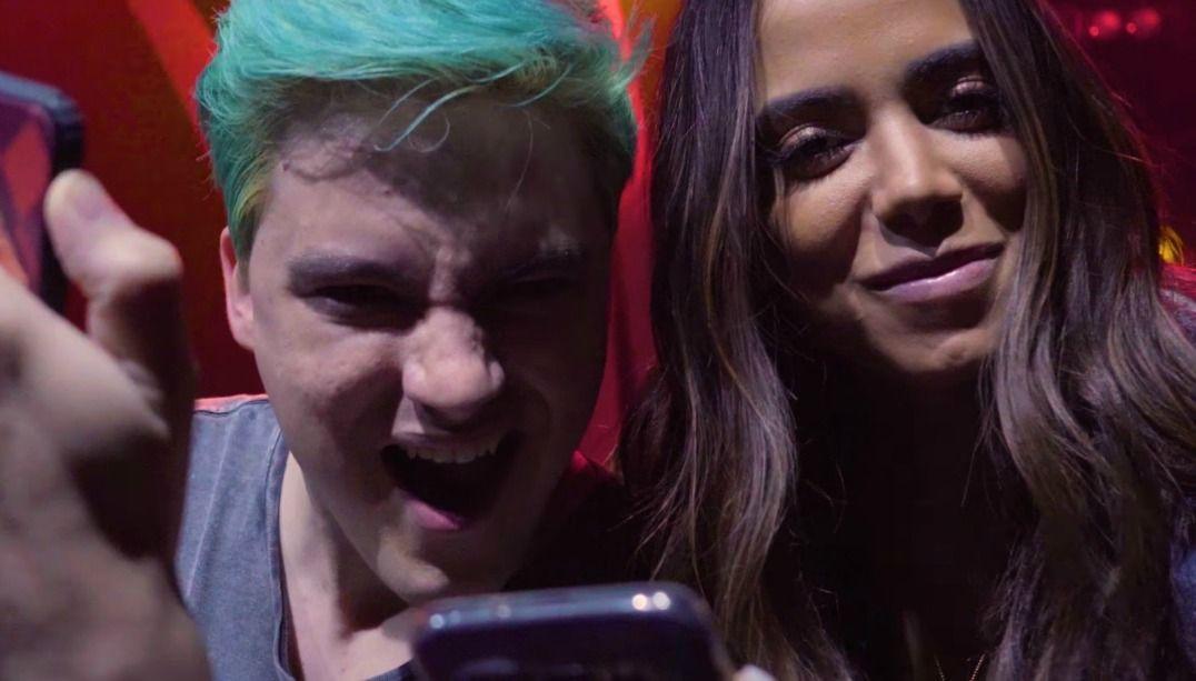 Parceria entre o youtuber e a cantora parou a internet / Reprodução/YouTube