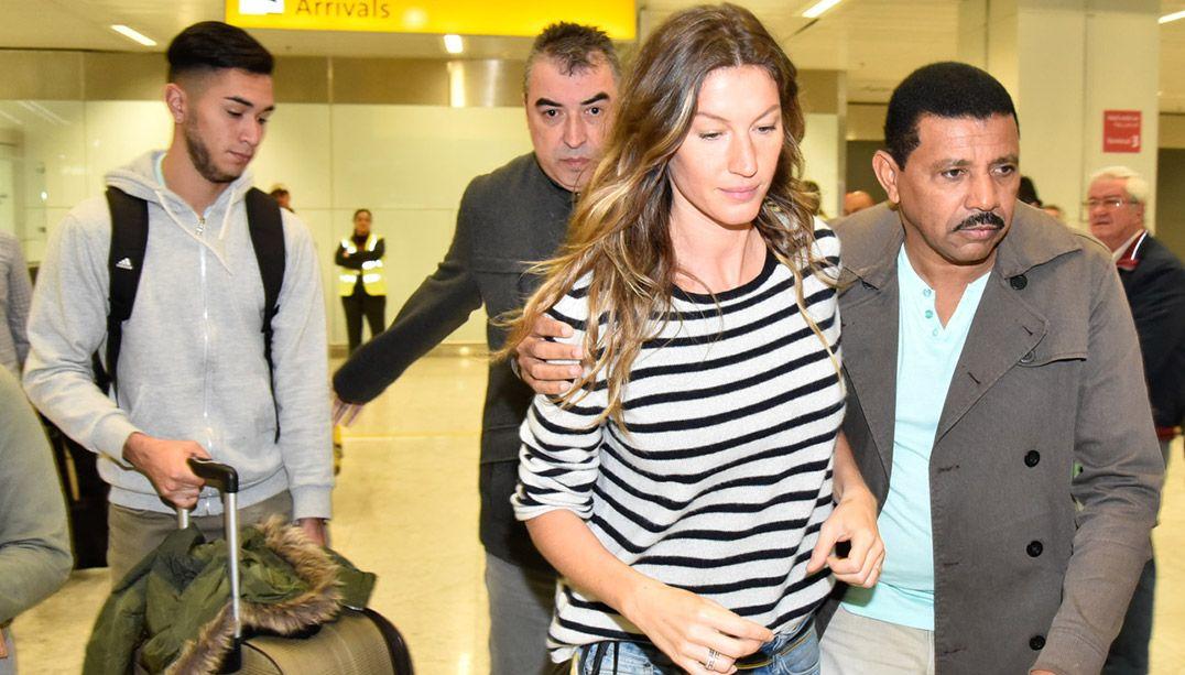 Gisele Bündchen desembarca em São Paulo; veja fotos