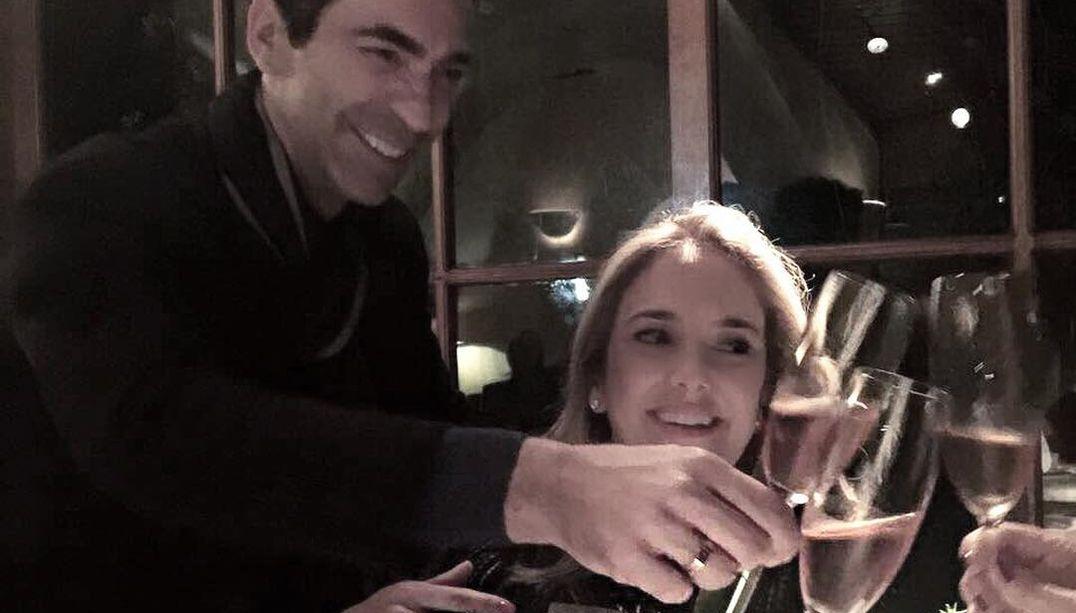 Cesar Tralli mostra aliança de noivado com Ticiane Pinheiro