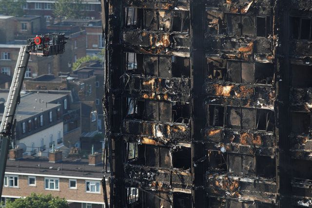 Torre Grenfeel ficou completamente destruída / Peter Nicholls/Reuters