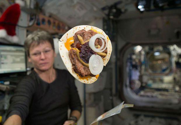 Astronautas poderão assar pão em estação espacial