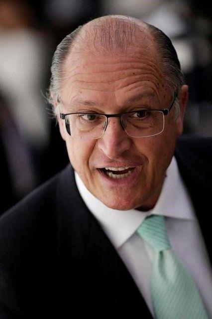 O governador lembrou que é necessário esperar a decisão da justiça sobre a situação de Aécio / Ueslei Marcelino/Reuters