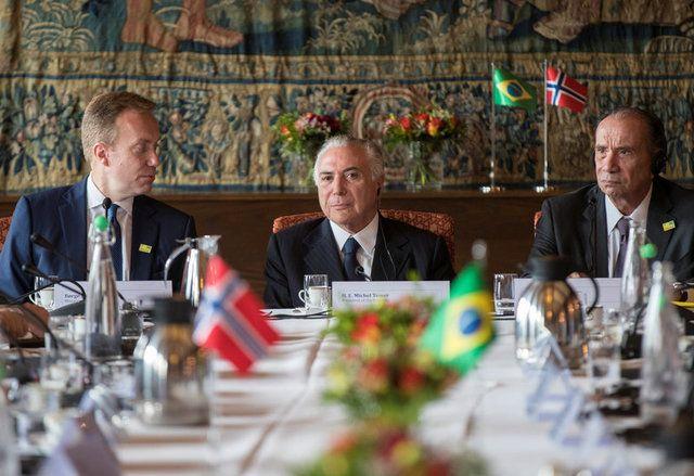 Na presença de Temer, Noruega corta recursos para Amazônia