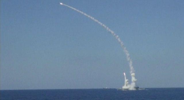 Rússia dispara mísseis contra Estado Islâmico na Síria