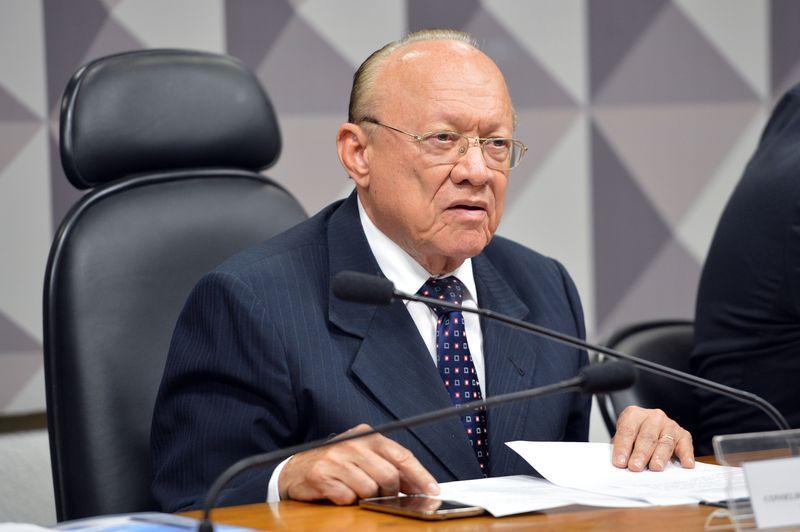 Conselho de Ética do Senado arquiva o pedido de cassação de Aécio