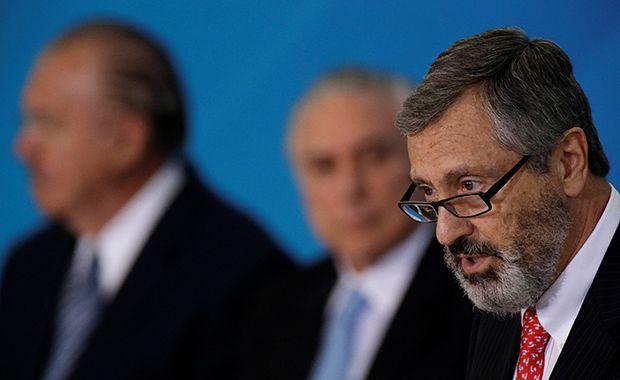 Ministro nega saída de diretor-geral da PF