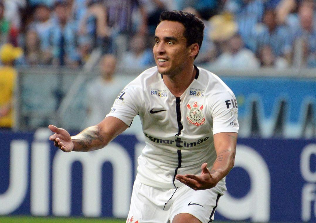 Cássio defende pênalti, Timão vence Grêmio e dispara na liderança