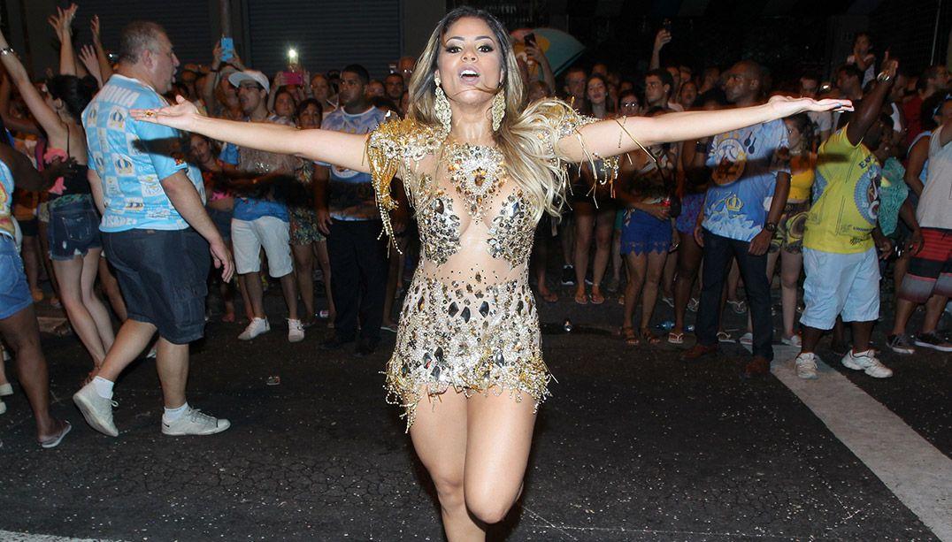 Lexa não é mais musa da escola de samba Vila Isabel