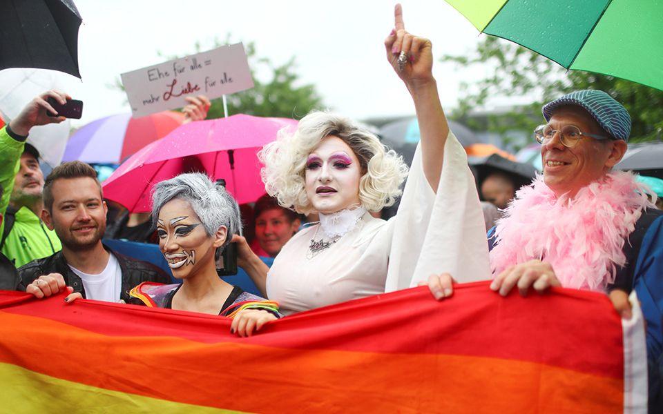 Parlamento da Alemanha legaliza casamento gay no país