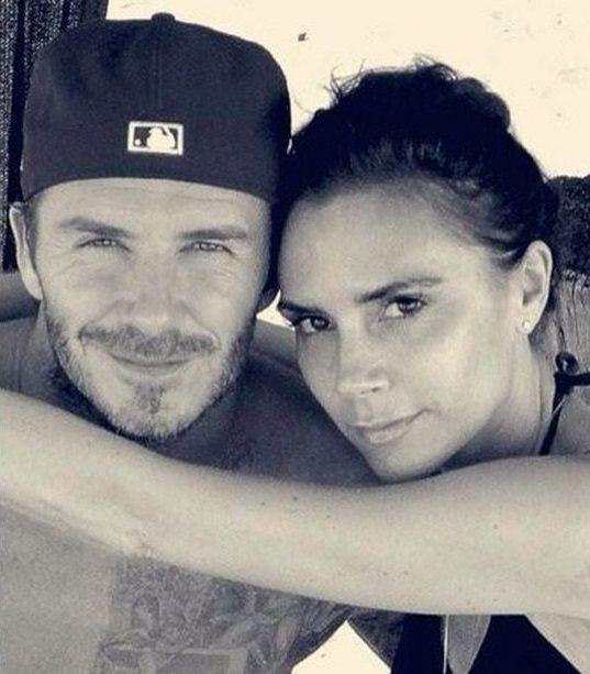 Casal Beckham comemora aniversário de casamento com fotos antigas