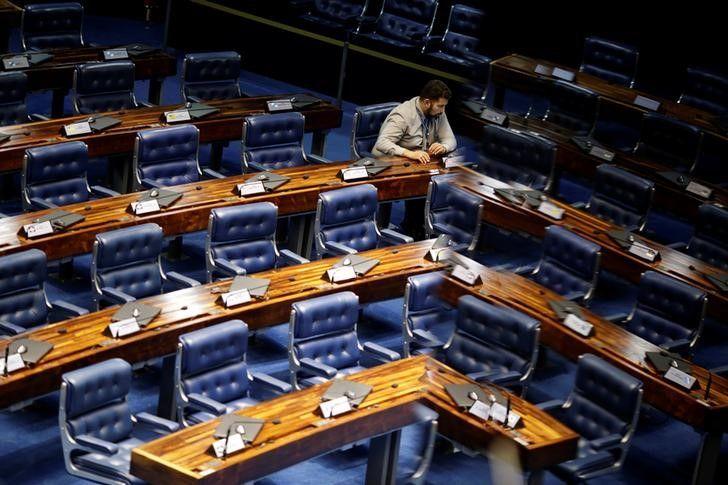 Senado aprova regime de urgência para Reforma Trabalhista