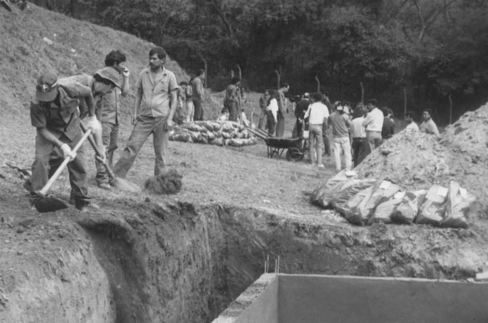 Exumação dos ossos da vala clandestina
