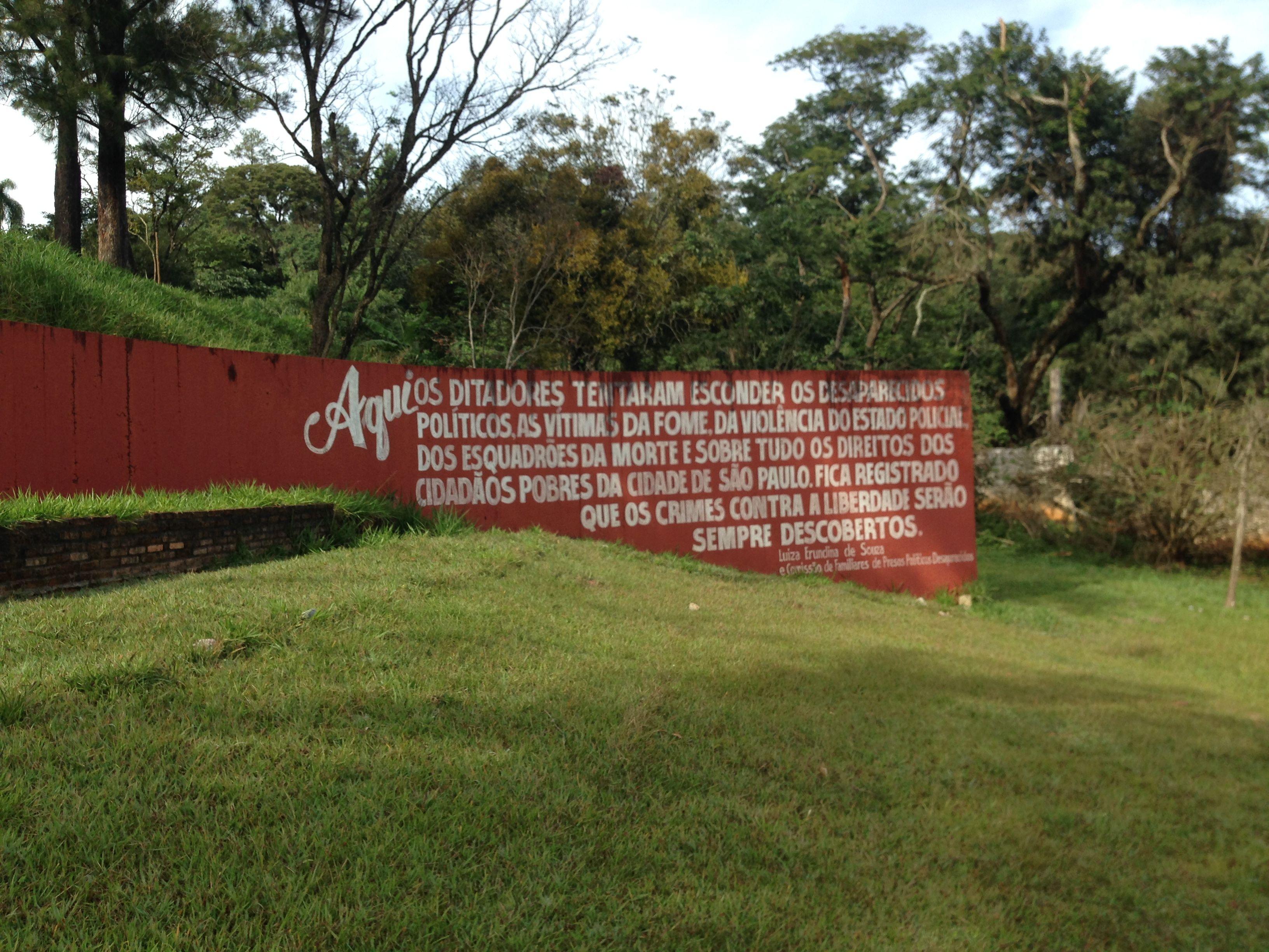 mural cemitério de perus