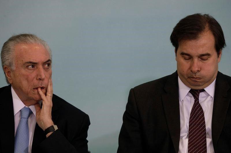 Maia tenta mostrar cacife para ser alçado à cadeira mais importante da política brasileira / Ueslei Marcelino/Reuters