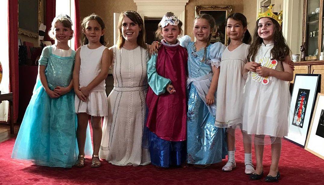 Festa da filha de Beckham em Palácio Real causa polêmica