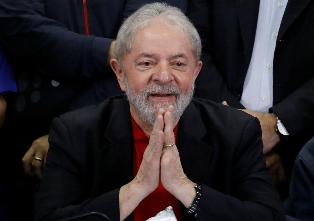 Na semana passada, o ex-presidente foi condenado a 9 anos e meio de prisão / Nacho Doce/Reuters