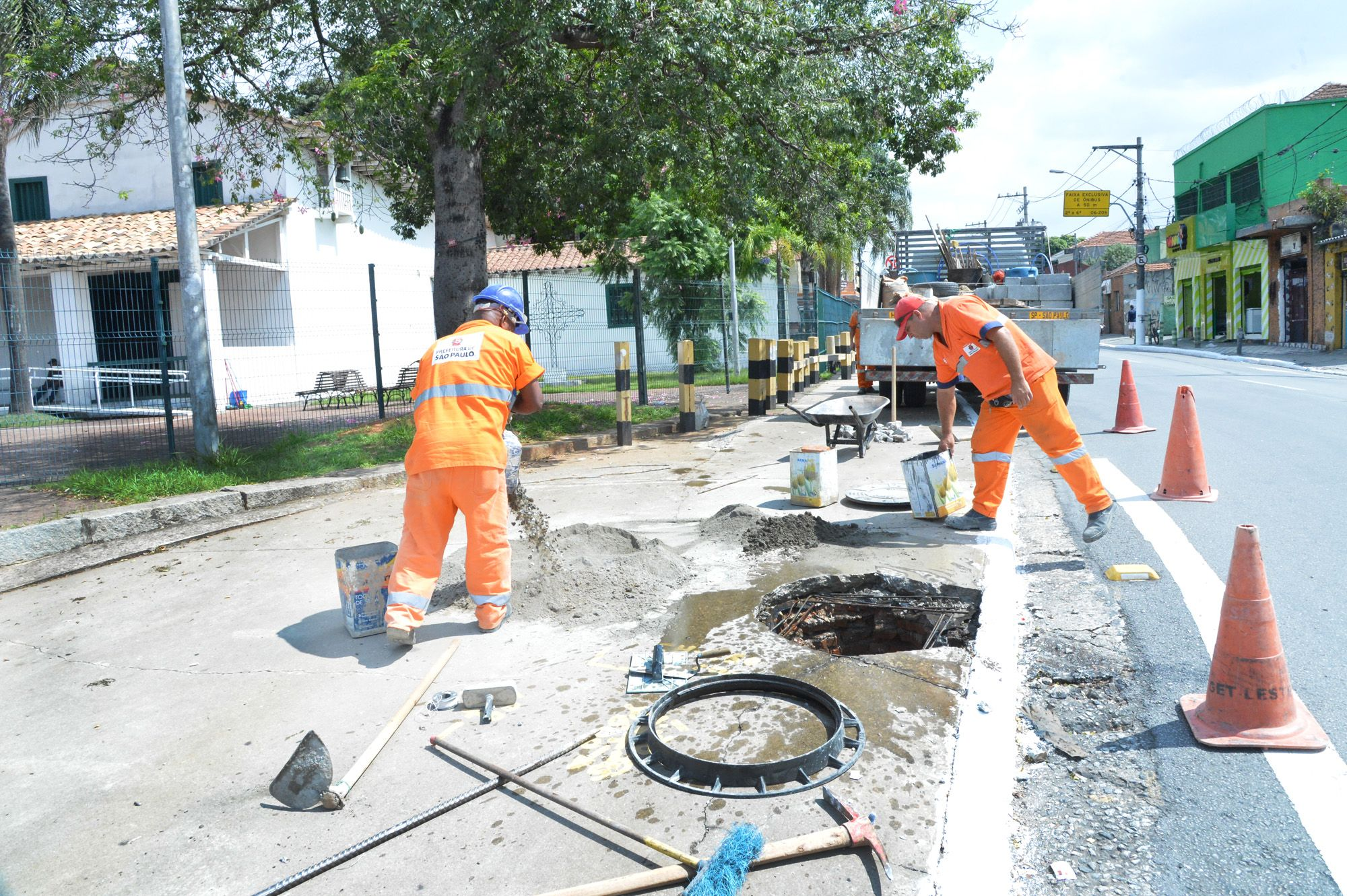 Prefeitura usará arrecadação de multas para tapar buracos em SP