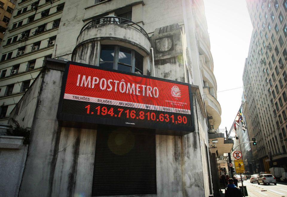 Impostômetro atingirá R$ 1,2 trilhão nesta sexta-feira, diz ACSP