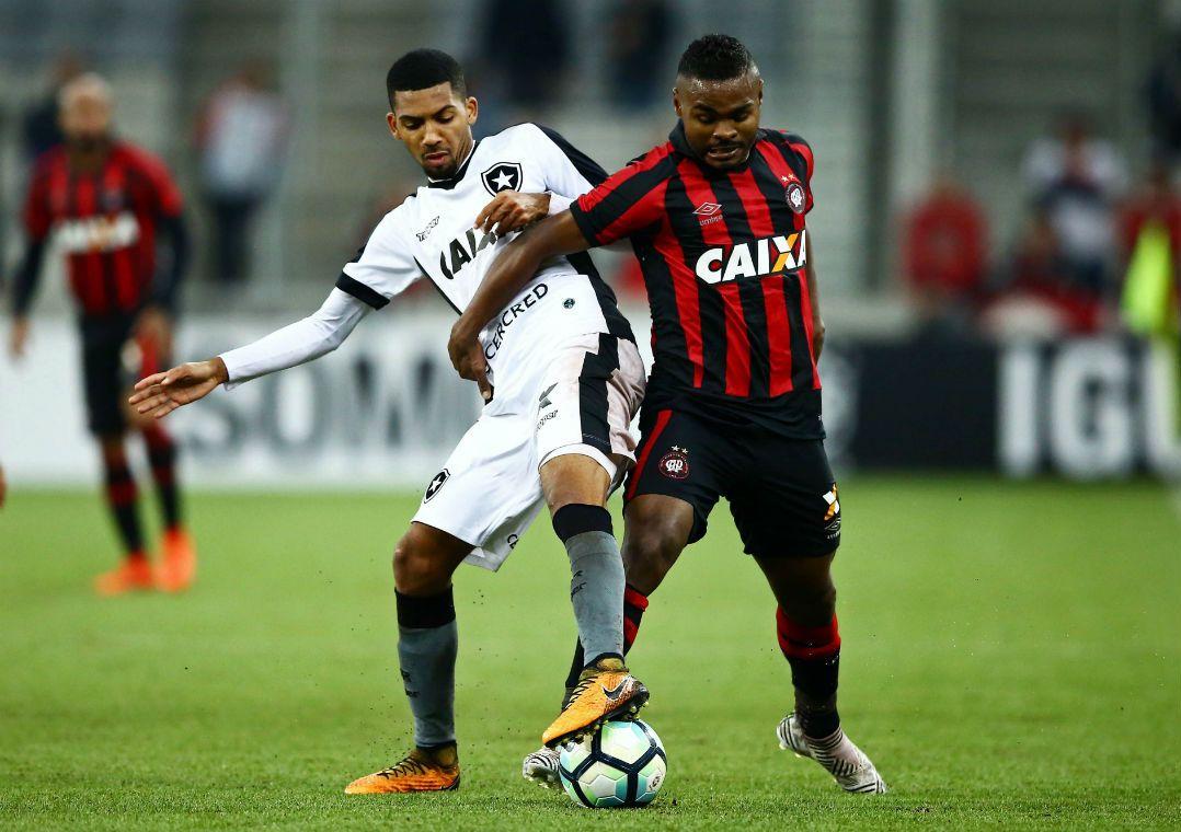 e3a377e392 Botafogo perdeu posição no G6 e Furacão está na beira do Z4 (Foto  Heuler  Andrey Dia Esportivo Estadão Conteúdo)