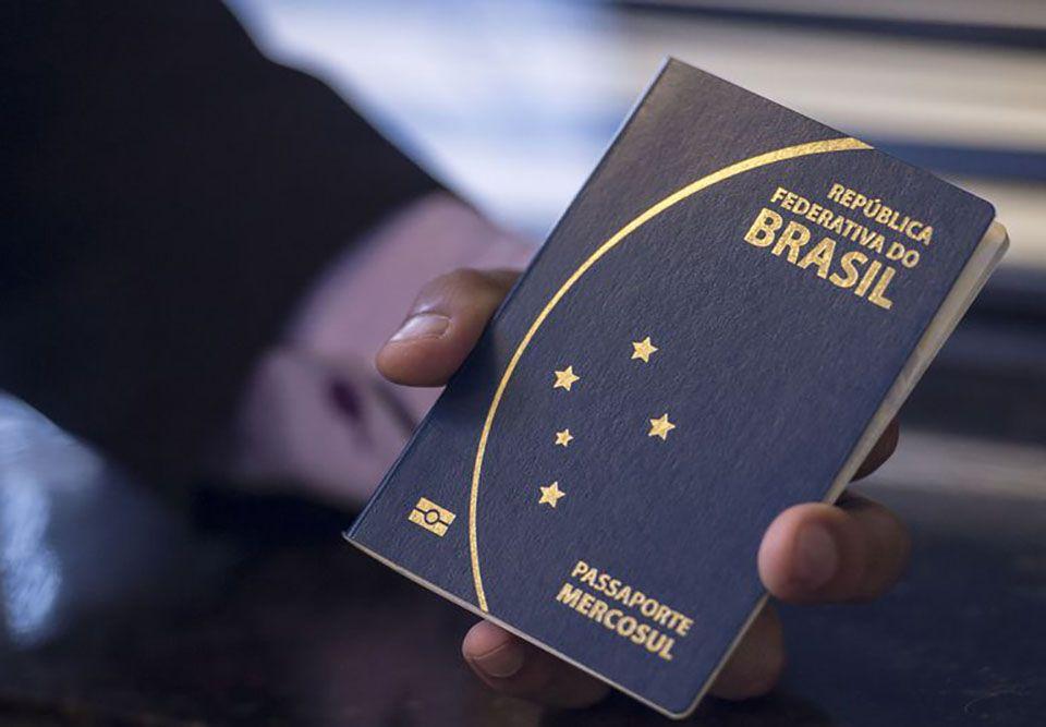 PF trabalha para normalizar emissão de passaportes