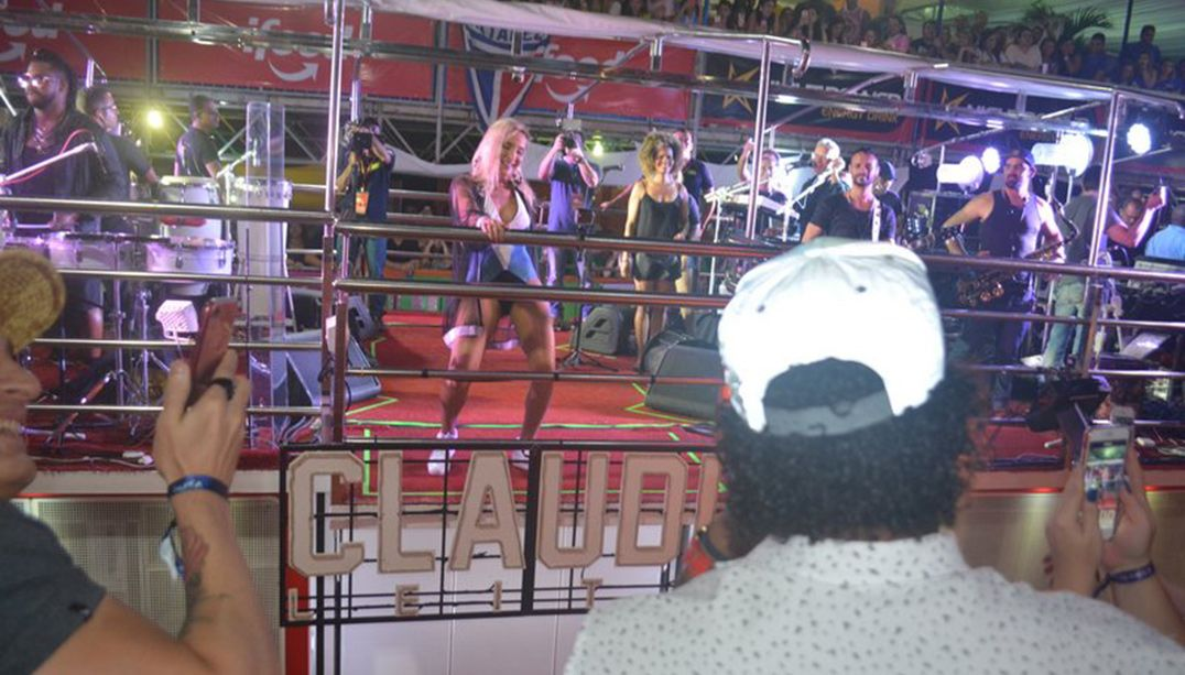 Claudia Leitte cantou hits do É o Tchan