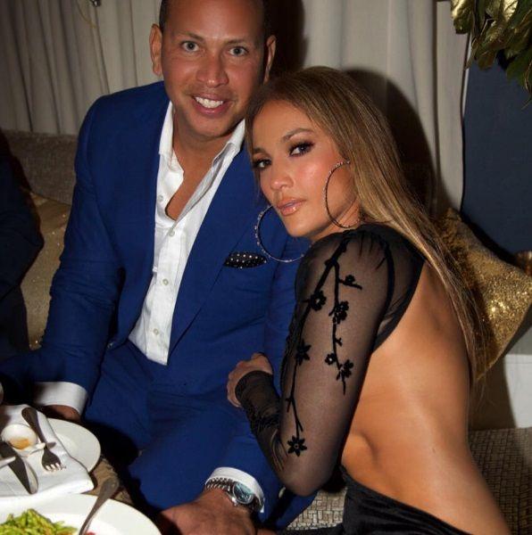 Jennifer Lopez compartilha fotos de festa de aniversário