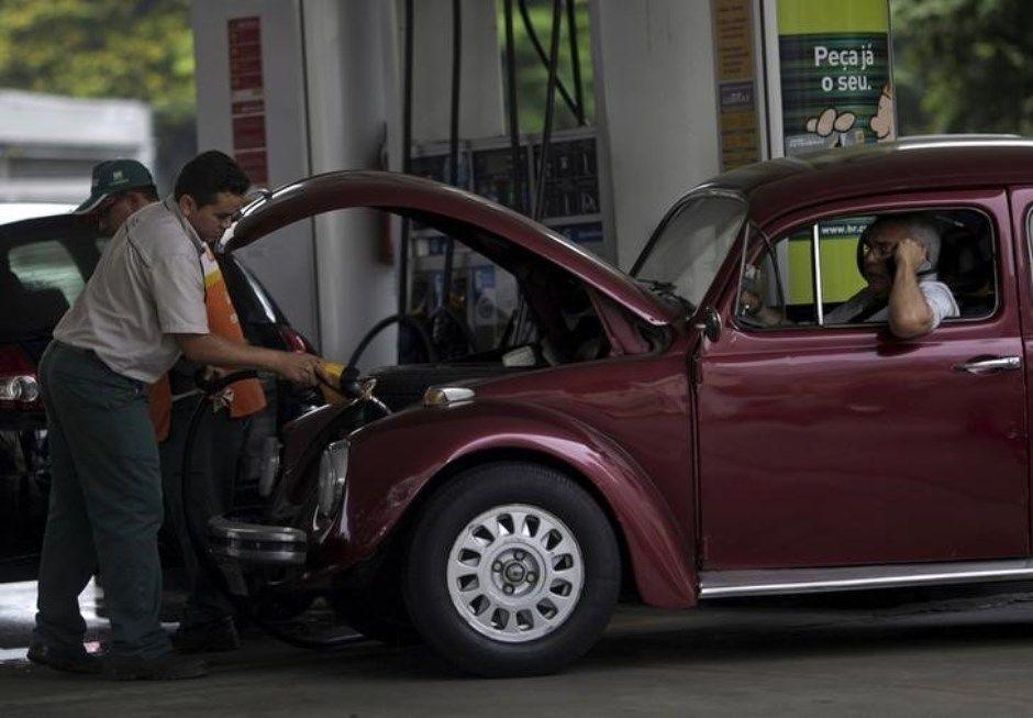 Preços da gasolina continuam inalterados pelo Brasil