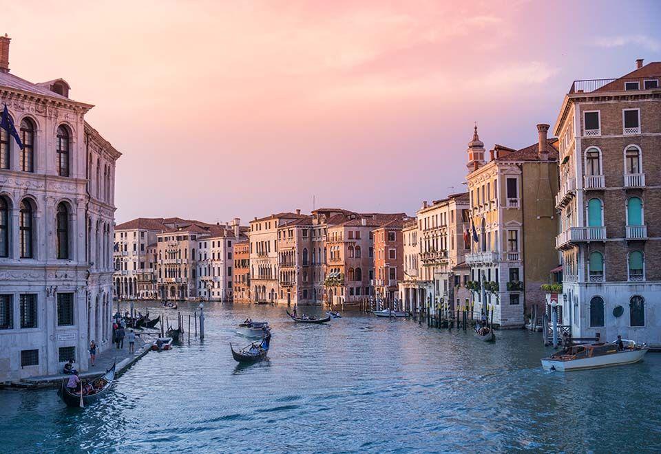 Turismo força moradores a abandonarem Veneza