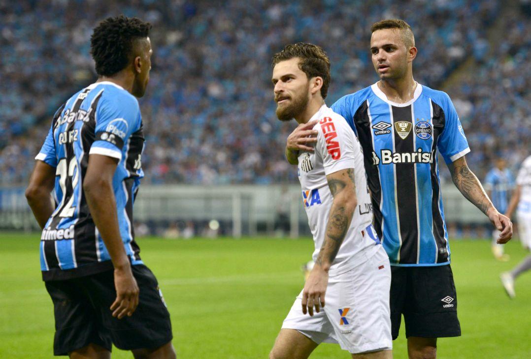 Grêmio e Santos empatam por 1 a 1 na Arena tricolor - Band.com.br aae58d62f3ae3
