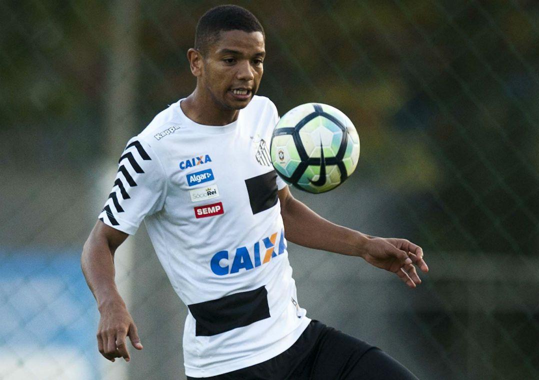 Santos visita o Coritiba para manter boa fase e invencibilidade