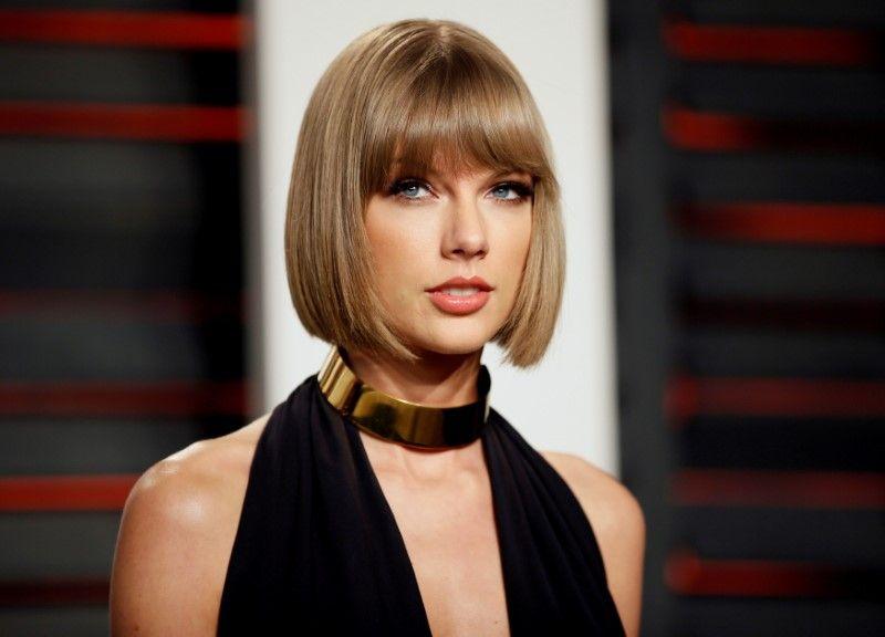 Advogados apresentam versões em julgamento de ação de Taylor Swift