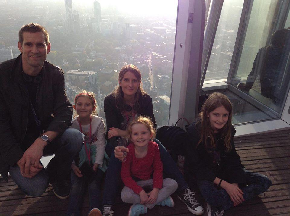 Marido e filhas de Eloise Dixon não ficaram feridos / Reprodução/Facebook