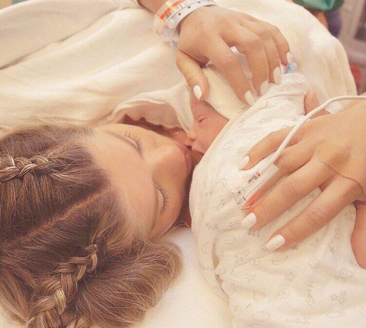 Nasce nos EUA Enrico, primeiro filho de Karina Bacchi