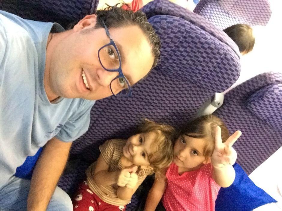 Márcio e as filhas costumam viajar