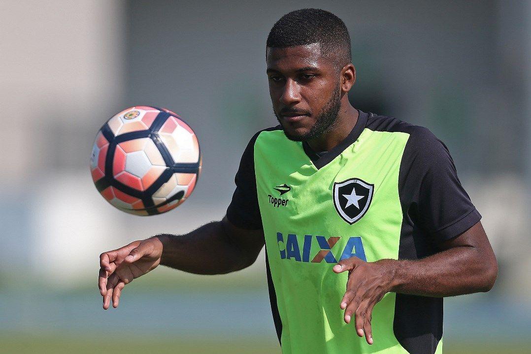 Emerson Santos tem contrato com o Botafogo até dezembro e já avisou que não ficará / Vitor Silva/SSPress/Botafogo