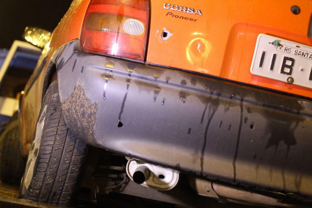 Para conter o veículo, agentes atiraram  / Fabian Ribeiro/Agência Freelancer/Estadão Conteúdo