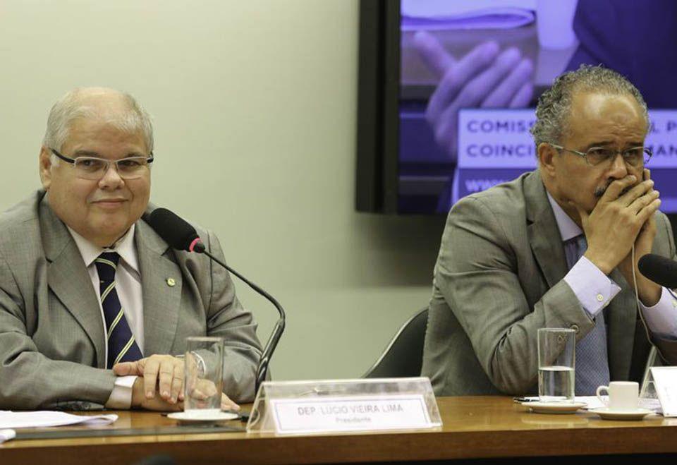 Comissão concluiu votação sobre distritão